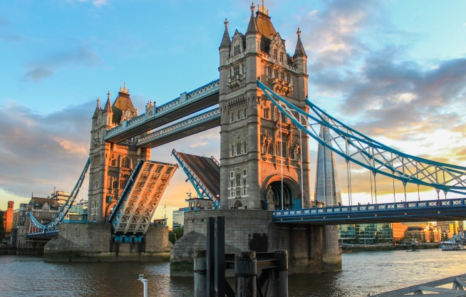 tower-bridge-980961